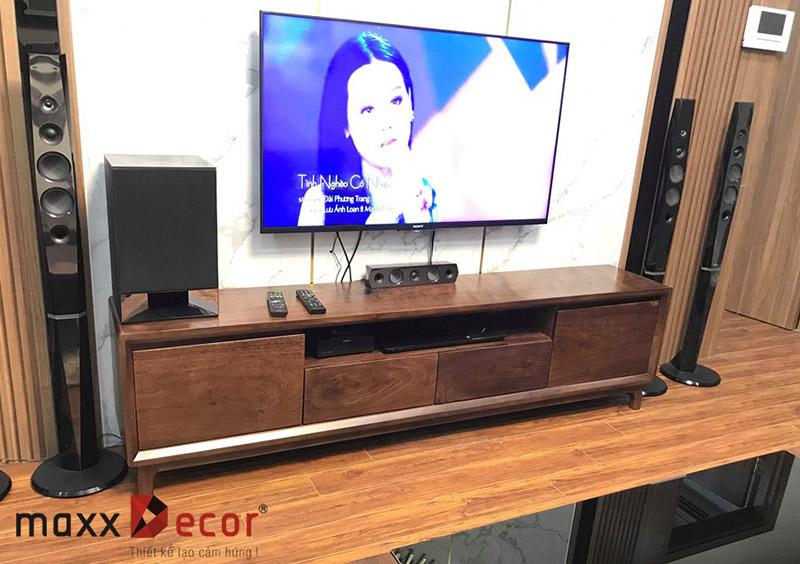 Mẫu kệ tivi gỗ sồi hiện đại